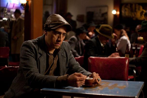 Mauricio Puentes, como Juan Roa Sierra en ROA