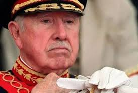 Augusto Pinochet, Dictador chileno de las décadas de los 70 y 80 siglo XX