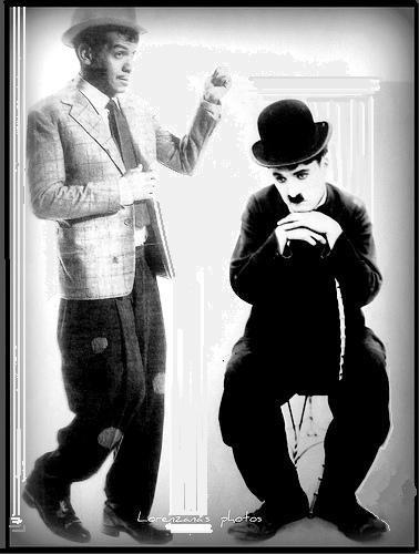 A la izquierda Cantinflas a la derecha Chaplin