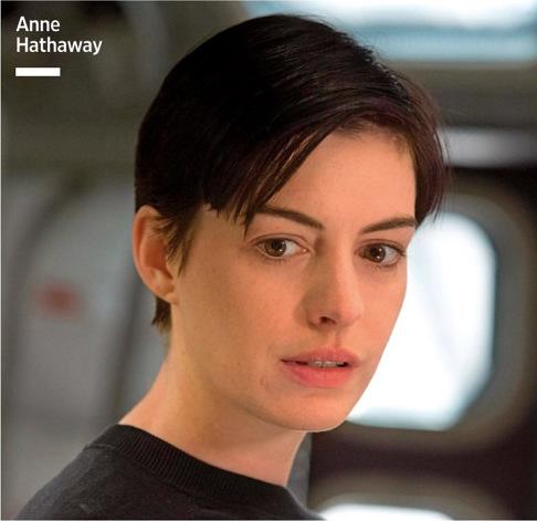 Anne Hataway como Dra Ammelia Brand