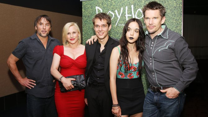 Richard Linklater, Patricia Arquette, Ellar Coltrane, Lorelei Linklater, ethan Hawke, el elenco de Boyhood