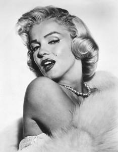 """Marilyn Monroe, la rubia californiana más famosa de la televisión de todos los tiempos tenía muy claro que su imagen era lo que la haría triunfar: """"No quiero hacer dinero. Yo sólo quiero ser maravillosa"""". Imagen tomada de internet / VANGUARDIA.COM"""