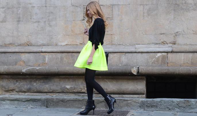 No le tema a los colores intensos, si los usa con criterio y moderación se sorprenderá con los resultados. Imagen tomada del blog de moda 'The blonde salad' / EN EL NOMBRE DE LA MODA