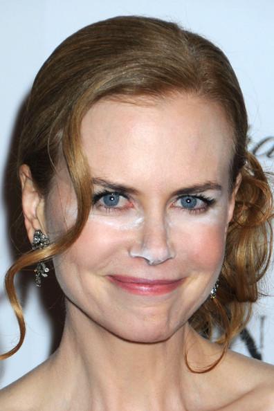 Uno de los errores más recurrentes es la iluminación excesiva o mal lograda, para la muestra Nicole Kidman, una de las divas de la pantalla grande. Imagen tomada de internet / EN EL NOMBRE DE LA MODA